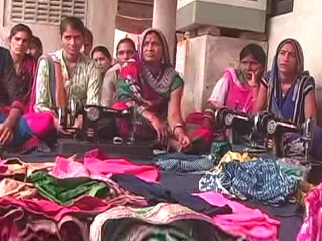 How to get a capital loan from banks. Tips for rural women of India.
