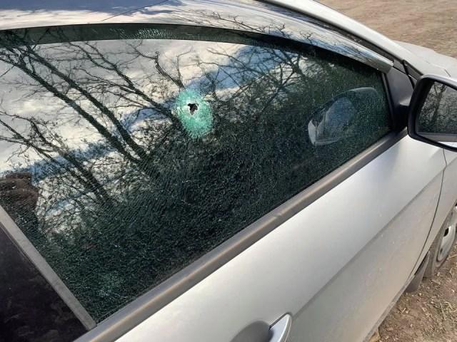 Террористы обстреляли авто журналистов
