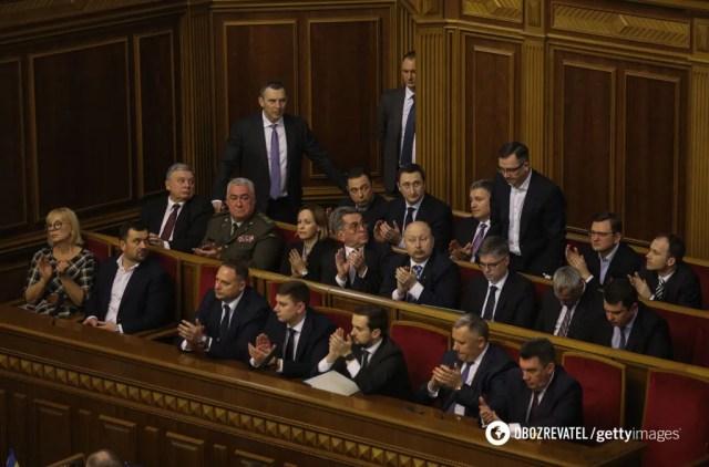"""Министров подбирают под """"определенный профиль"""""""