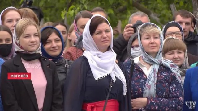 Жители Могилева слушают Лукашенко