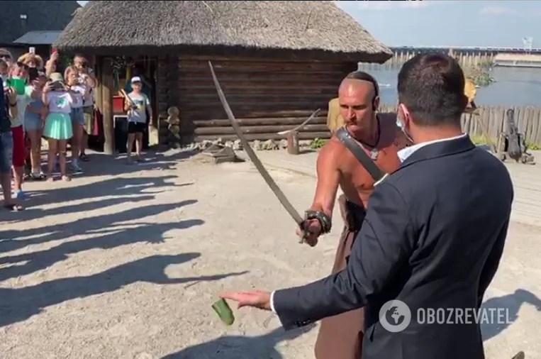 Современный казак проверил Зеленского на храбрость
