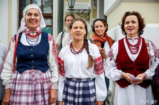 Белоруски поют национальные песни