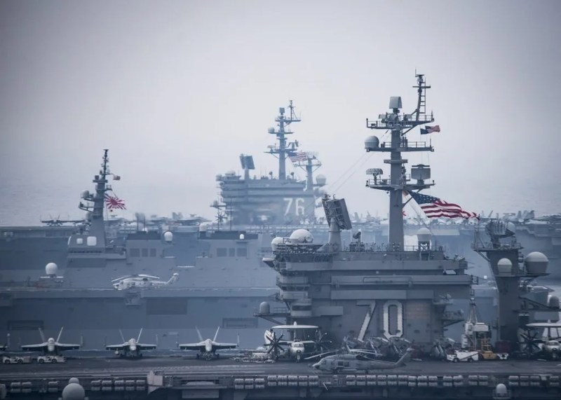 Путіну приготуватися: есмінець США раптово підійшов до берегів Росії
