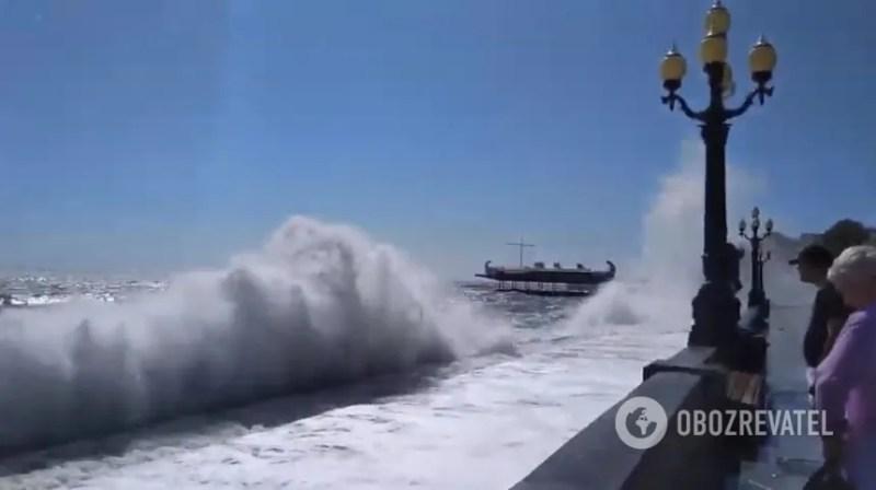 Крим накрив смертельний шторм