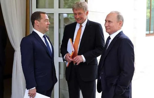 Владимир Путин, Дмитрий Песков и Дмитрий Медведев