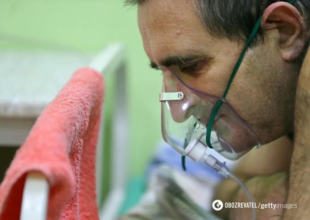 Пацієнтам доводиться дихати рятівним газом по черзі