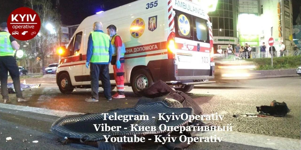 Третья жертва умерла по дороге в больницу.