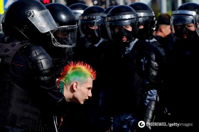 Протесты в России, которые начались со средины января из-за ареста оппозиционера Алексея Навального, временно прекратились