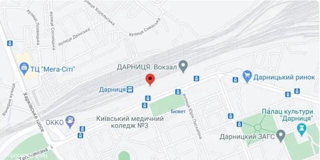 Нападение произошло на улице Привокзальной в Дарницком районе Киева.