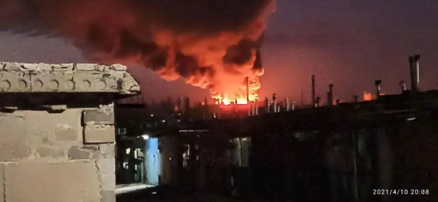 В Донецке загорелся мясокомбинат