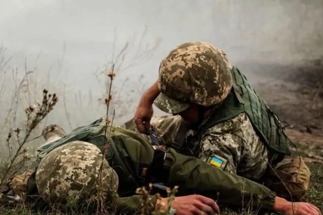 Террористы убили на Донбассе одного бойца ООС, еще четырех ранили