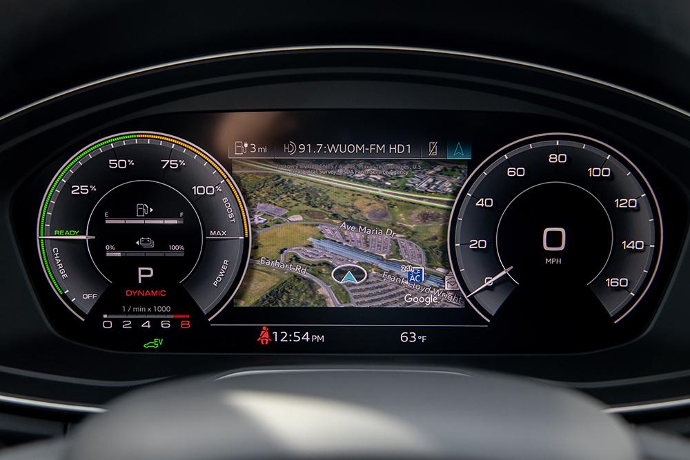 Audi Q5 55 TFSI E Quattro 2021 года