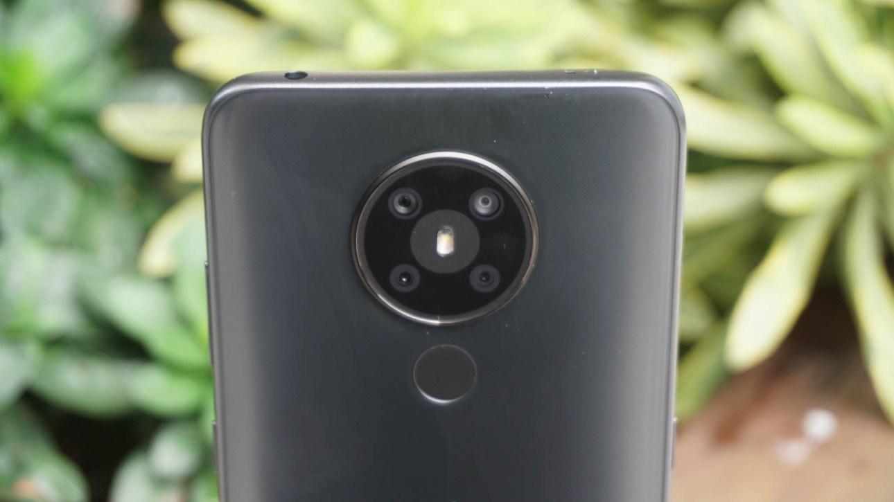 Крупный план круглой камеры стека Nokia 5.3