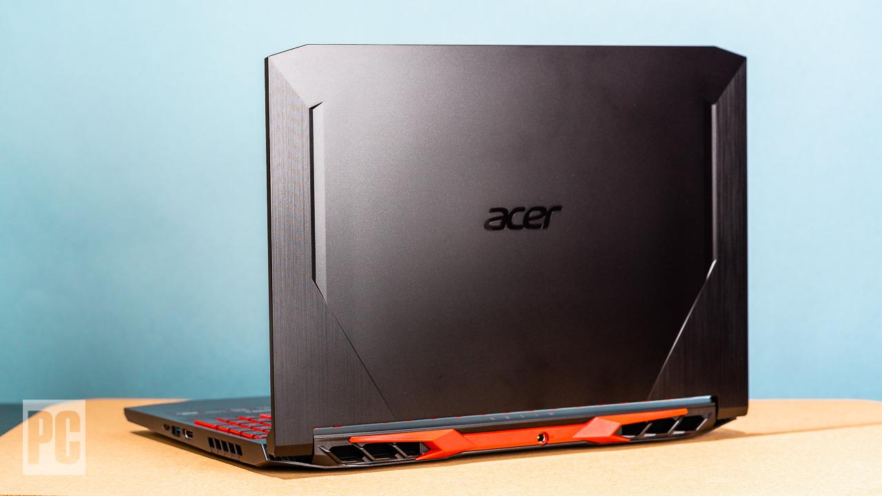 Acer Nitro 5 (2020) вид сзади