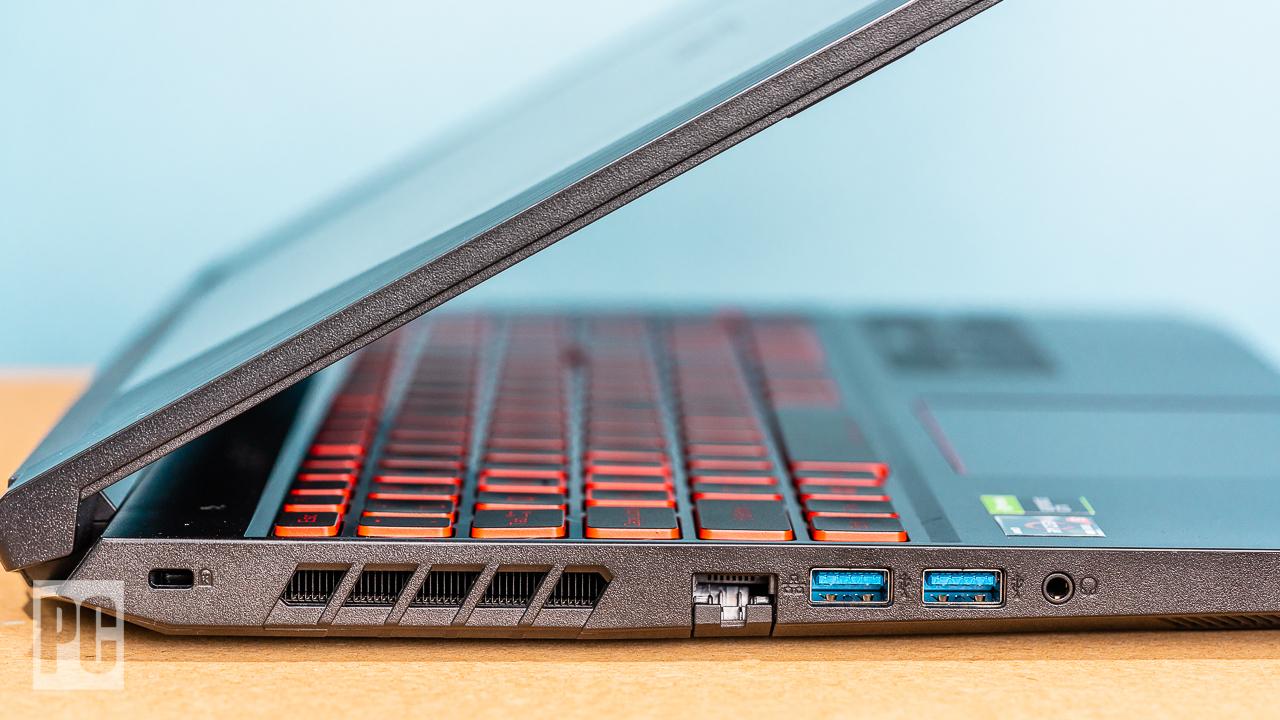 Acer Nitro 5 (2020) левые порты