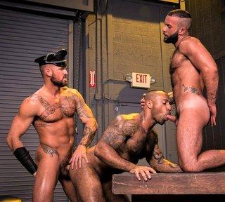 Beards Bulges & Ballsacks – Michael Roman, Daymin Voss, Fernando Del Rio