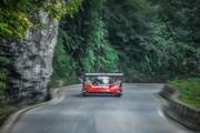 Volkswagen-ID-R-climbs-Tianmen-Mountain-in-738-minutes-7