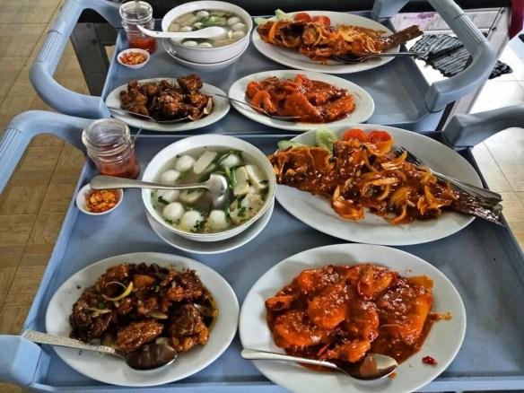 restoran makan laut untuk pengemar seafood