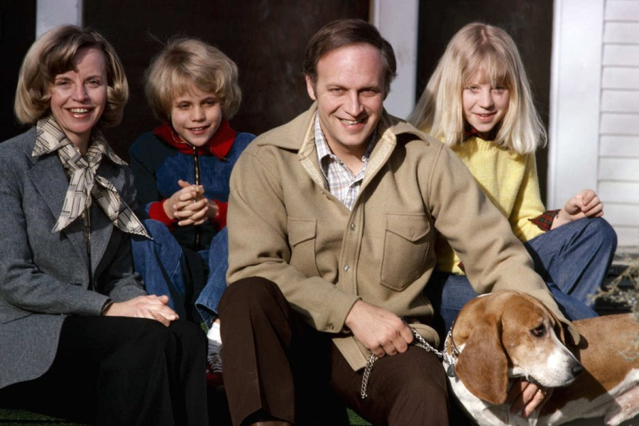 Dick Cheney with his wife, daughters and a pet dog during 1978
