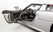 Porsche-Carrera-GT-6