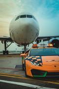 Lamborghini-Hurac-n-RWD-Follow-Me-at-Bologna-Airport-6