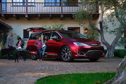 2020-Chrysler-Pacifica-Red-S-Edition-51