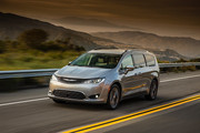 2020-Chrysler-Pacifica-Red-S-Edition-41