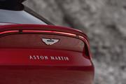 2021-Aston-Martin-DBX-12