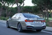 2020-BMW-7-Series-23