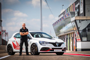Renault-Megane-RS-Trophy-R-11