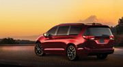 2020-Chrysler-Pacifica-Red-S-Edition-24