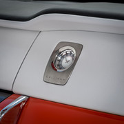 Rolls-Royce-Cullinan-in-Fux-Orange-17