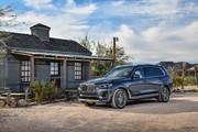 2020-BMW-X7-32