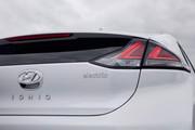 2020-Hyundai-Ioniq-Electric-13