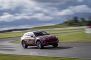 2020-Aston-Martin-DBX-3