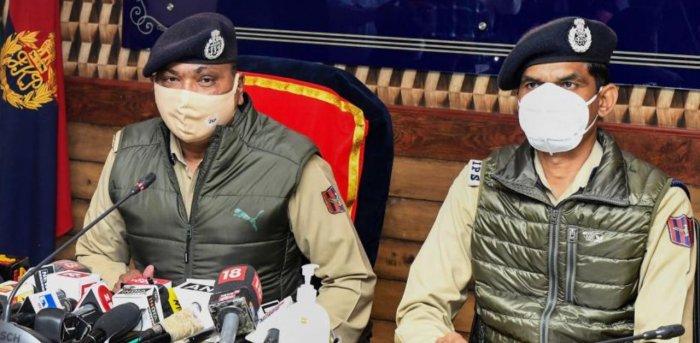 Director General of Jammu and Kashmir police Dilbagh Singh along with IG police Vijay Kumar (PTI)
