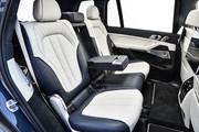 2020-BMW-X7-96