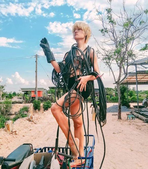 remaja Thailand tukar sampah jadi fesyen