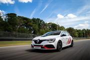 Renault-Megane-RS-Trophy-R-1
