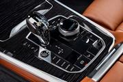 2020-BMW-X7-121