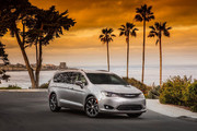 2020-Chrysler-Pacifica-Red-S-Edition-46