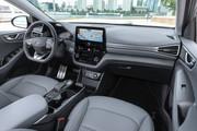 2020-Hyundai-Ioniq-Electric-11