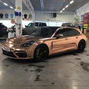 Porsche-Panamera-Turbo-S-E-Hybrid-in-chrome-wrap-3