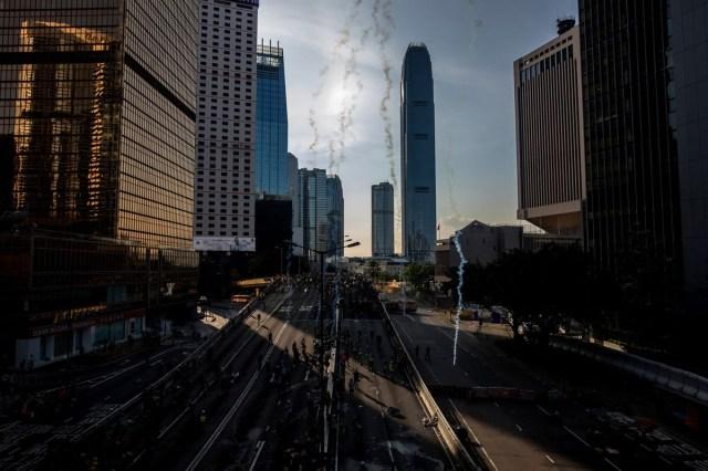 protes tunjuk perasaan di hong kong