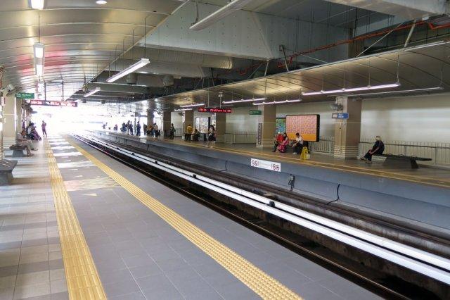 LRT sampai lambat