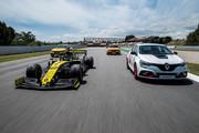 Renault-Megane-RS-Trophy-R-21