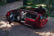2020-Chrysler-Pacifica-Red-S-Edition-53