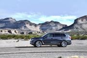 2020-BMW-X7-71