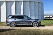 2020-BMW-X7-5