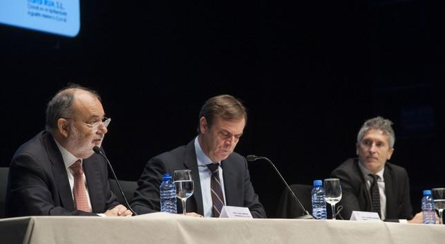 Mesa redonda sobre la Justicia Universal, en la que intervienen Fernando Grande-Marlaska Gómez (CGPJ); José Ramón Navarro Miranda (Audiencia Nacional); y Ángel Juanes Peces (Tribunal Supremo). Ricardo Ordóñez (ICAL)